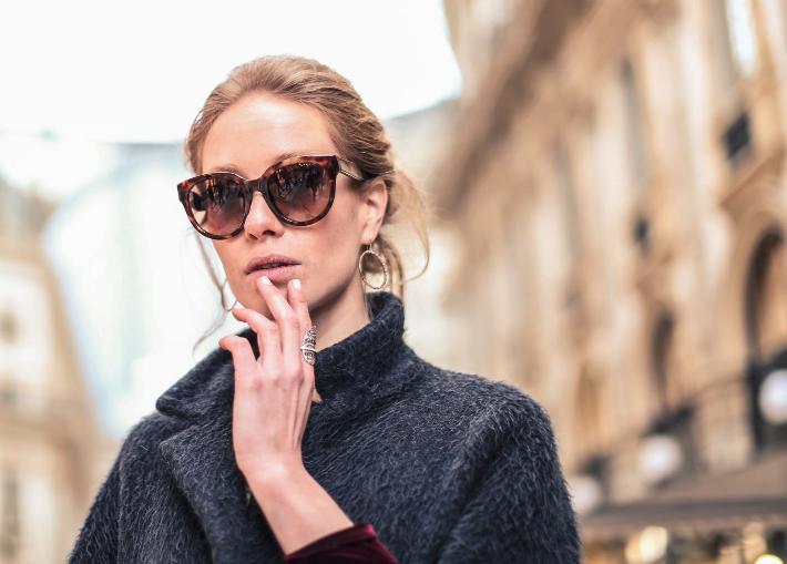 Sonnenbrillen online Shops mit kostenloser Lieferung